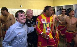 Le nouvel entraîneur du Stade Lavallois Thierry Goudet, tout sourire en mai 2003 lors de la montée du Mans en Ligue 1.