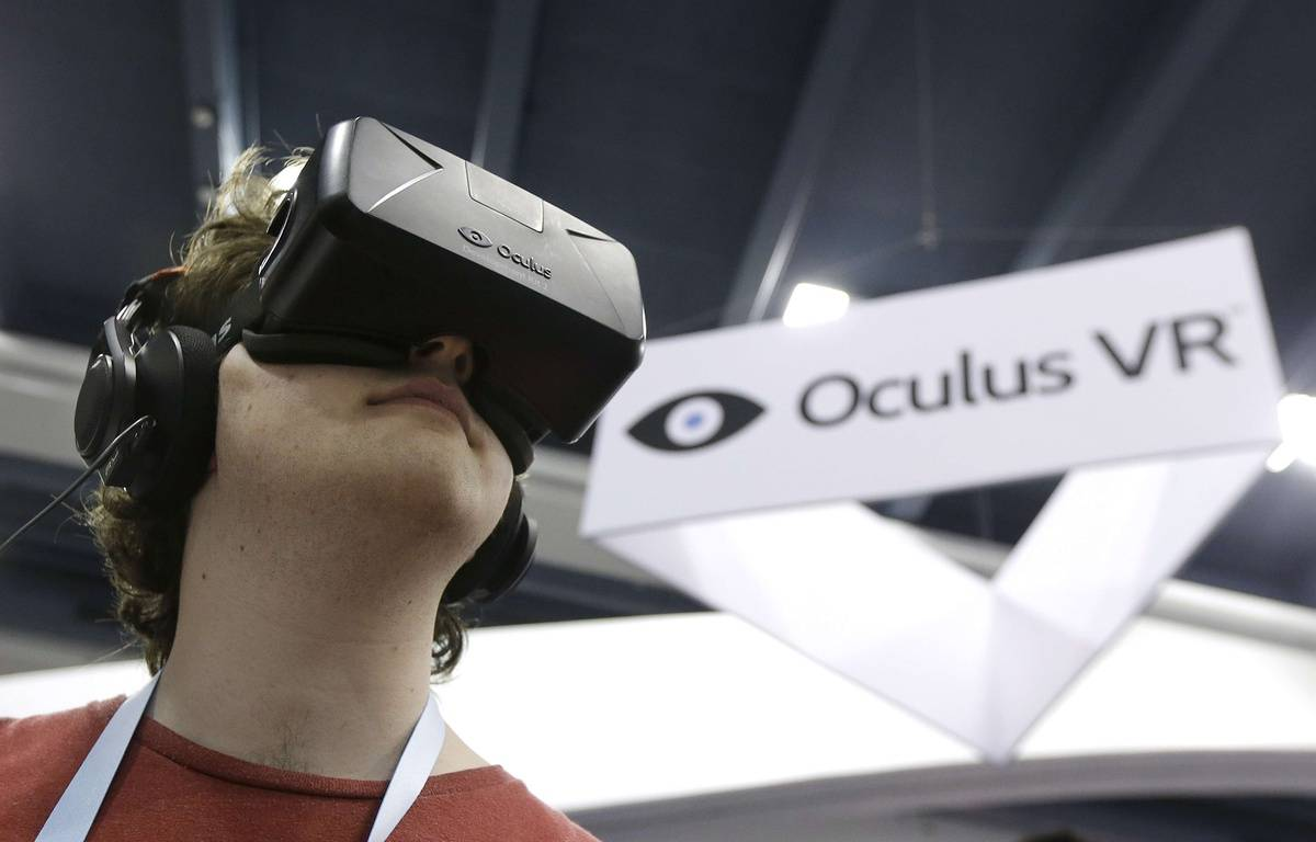 Le casque de réalité virtuelle Oculus, testé le 19 mars 2014, à  San Francisco. –  Jeff Chiu/AP/SIPA