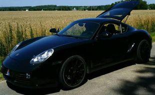 La Porsche dans laquelle circulait le conducteur a été saisie et mise à la fourrière.