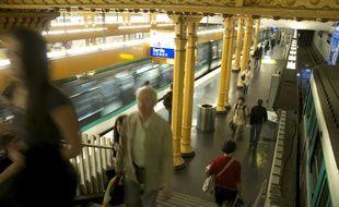 Des bus de remplacement seront proposés les dimanches 11 et 18 juin en gare de Lyon car la ligne 14 sera interrompue (Illustration).