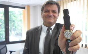 Il développait des bracelets qui s'adaptent à tous les modèles de cadran de montre