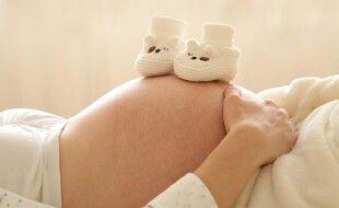 Illustration d'une femme enceinte.