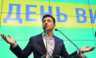Le comédien Volodymyr Zelensky, vainqueur de la présidentielle en Ukraine, s'exprime le 21 avril 2019.