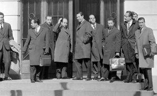Il y a 50 ans, le gouvernement français et le Front de libération national algérien (FLN) signaient les Accords d'Evian, marquant la fin de la guerre d'Algérie et le prélude à l'indépendance après 132 ans de colonisation française.