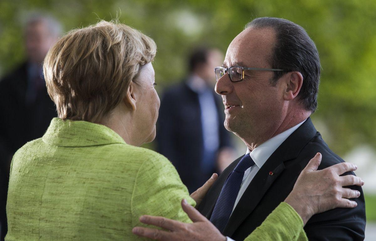 La chancelière allemande, Angela Merkel et le président français, François Hollande à la Chancellerie à Berlin lors de leur «dîner d'adieu», le 8 mai 2017.  – John MACDOUGALL / AFP
