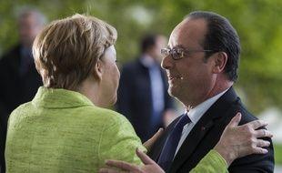 La chancelière allemande, Angela Merkel et le président français, François Hollande à la Chancellerie à Berlin lors de leur «dîner d'adieu», le 8 mai 2017.