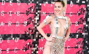 Miley Cyrus aux MTV Video Music Awards en aout 2015