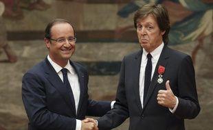 François Hollande et Paul McCartney, le 8 septembre 2012, au palais de l'Elysée, à Paris.