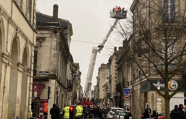 Premiers secours rue Borie à Bordeaux, après l'explosion d'un immeuble