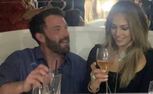 Les amoureux Ben Affleck et Jennifer Lopez ont célébré les 52 ans de la chanteuse à Saint-Tropez