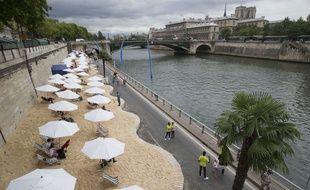L'opération Paris plages a débuté le 20 juillet 2015 dans la capitale française.