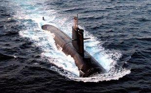 Mercredi 10 juin, le sous-marin nucléaire d'attaque français Emeraude a entamé la recherche des boîtes noires.