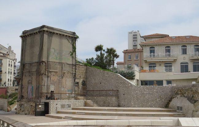 Le 22 avril 2016, une pétition sauve la tour de la plage des Catalans à Marseille