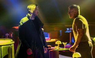 Ryan Gosling et Harrison Ford dans Blade Runner 2049 de Denis Villeneuve