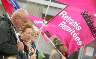 Des milliers de retraités ont manifesté hier dans 110 villes de France (ici, à Lille).