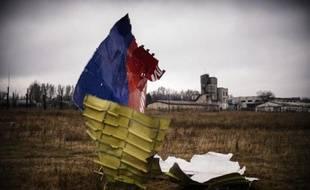 Photo prise le 10 novembre, d'une partie de l'avion de la Malaysia Airlines qui a été abattu par un missile près du village de Grabnovo, dans l'est de l'Ukraine, le 17 juillet 2014