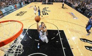 Le meneur de jeu français des San Antonio Spurs, Tony Parker, le 23 avril 2014, contre les Dallas Mavericks.