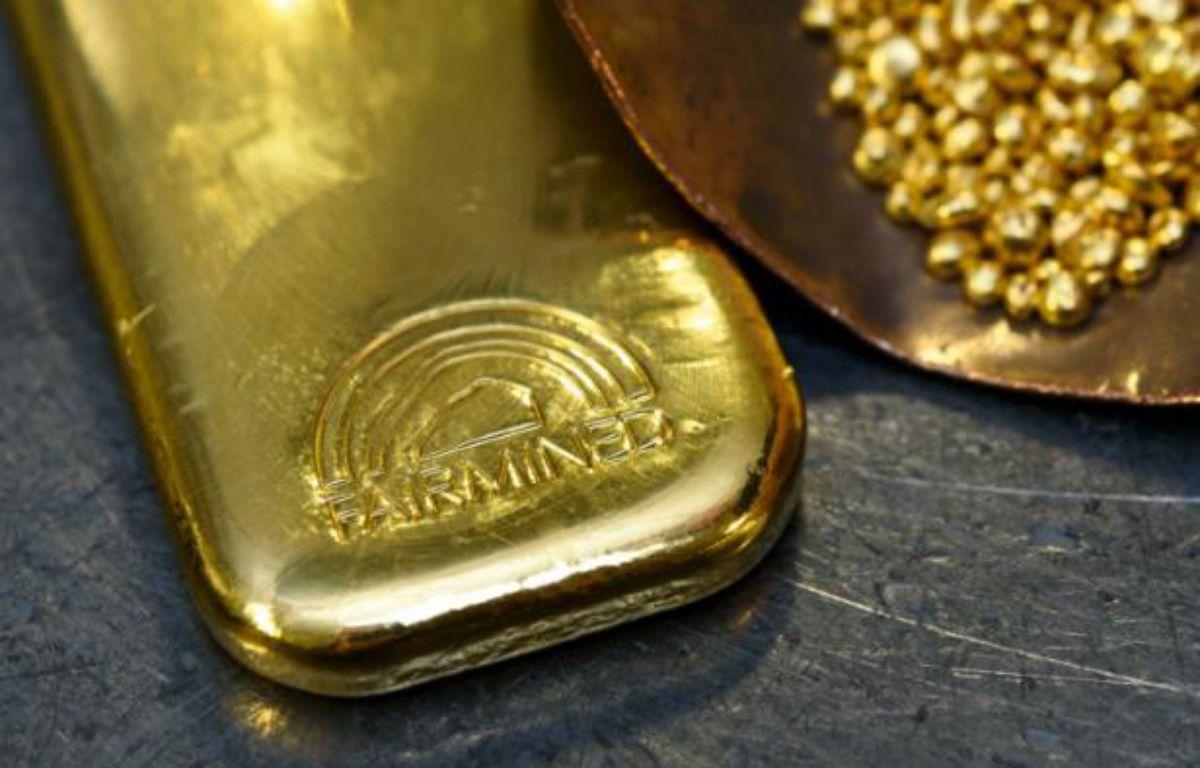 Un lingot et des pépites d'or éthiques dans un atelier Chopard à Meyrin, près de Genève, le 11 novembre 2015 – FABRICE COFFRINI AFP