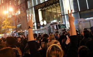 Des manifestants devant la Trump Tower à New York, le 9 novembre 2016.