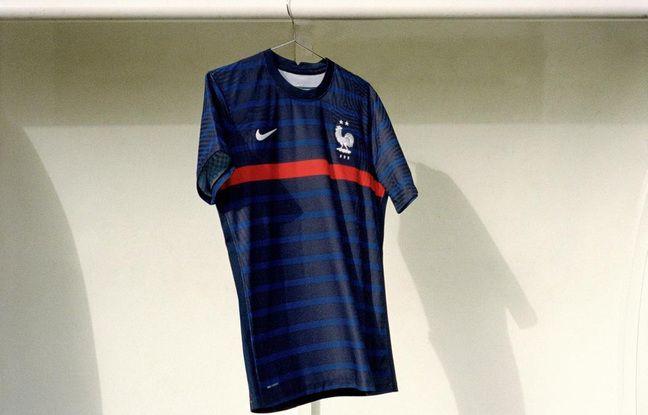 Le maillot domicile de la France.