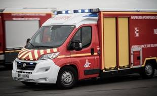 Un camion de pompiers lors d'une intervention (illustration)