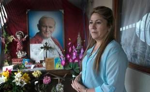 """La Costaricienne Floribeth Mora, la """"miraculée"""" de Jean-Paul II, lors d'un entretien à l'AFP le 26 mars 2014 à son domicile à Dulce Nombre de Cartago, au Costa Rica"""