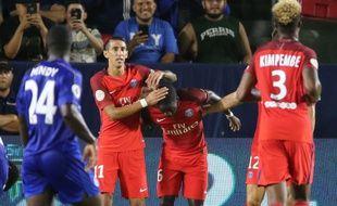 Di Maria félicite Ikoné, buteur contre Leicester.