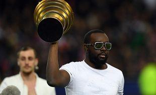 Le chanteur Maître Gims au Stade de France, le 23 avril 2016, avant la finale de la Coupe de la Ligue.