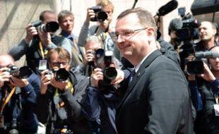 L'ancien Premier ministre tchèque, Petr Necas, a reconnu samedi entretenir une relation sentimentale avec sa plus proche collaboratrice, figure centrale d'un scandale de corruption politique et de moeurs qui l'a contraint à la démission en juin.
