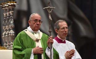 Le pape François le 5 octobre 2014 à la basilique Saint-Pierre à Rome