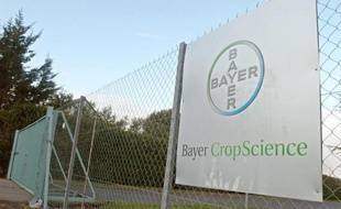 Entrée de l'usine Bayer Cropscience France à Cormery