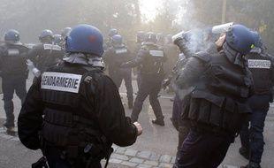 Des grenades lacrymogènes tirées par la gendarmerie.