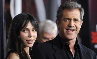 """Mel Gibson et Oksana Grigorieva assistent à la première du film """"Edge of Darkness"""" à Los Angeles, le 26 janvier 2010."""