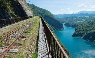 Le petit train de La Mure en Isère a cessé de circuler depuis un éboulement de pierres survenu en octobre 2010.