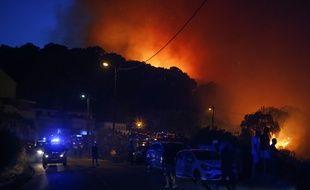 Illustration d'un feu, de nuit, ici à Biguglia.