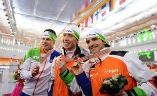 Le Néerlandais Jorrit Bergsma a créé la surprise en battant son compatriote Sven Kramer pour remporter le 10.000 m des Mondiaux de patinage de vitesse samedi à Sotchi en Russie.