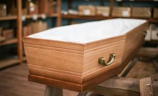 Un cercueil. (Illustration)