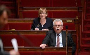 Les députés Front de gauche, qui s'étaient abstenus l'année dernière, ont annoncé qu'ils voteraient contre le projet de budget 2014, débattu à partir de mardi à l'Assemblée.