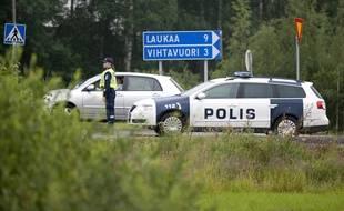 Des voitures de police à Laukaa, en Finlande, le 10 juillet 2013.