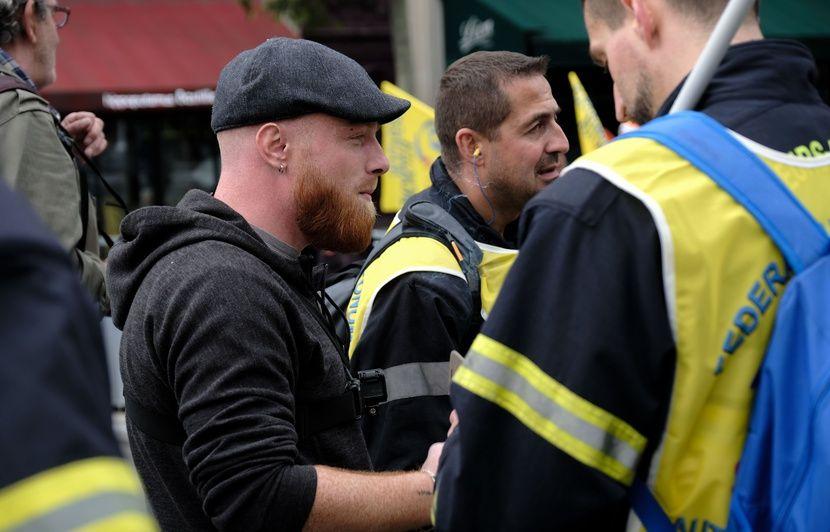 Des centaines de « gilets jaunes » pour un 49e acte dédié aux pompiers