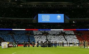 Le stade Wembley en train de chanter La Marseillaise avant Angleterre-France, le 17 novembre 2015.