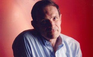 Jean-Jacques Monsuez, cardiologue et membre du conseil scientifique d'Ajila qui pilote la mobilisation Go red for women.