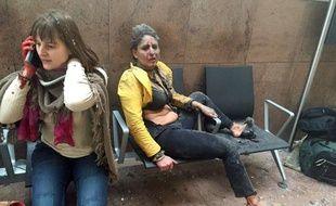 Nidhi Chaphekar, une hôtesse de l'air indienne, est devenue l'un des symboles des attentats qui ont frappé Bruxelles, le 22 mars 2016.