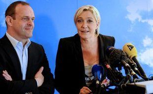 Steeve Briois et Marine Le Pen, le 11 juin2012, àHénin-Beaumont (Pas-de-Calais).