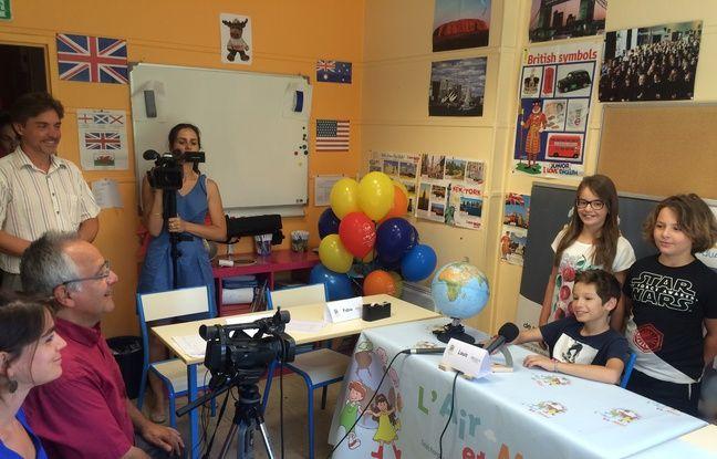 Les élèves en pleine réalisation de la vidéo.