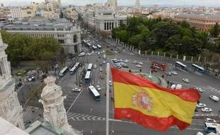 La récession devrait se prolonger en Espagne au quatrième trimestre, a estimé mercredi la banque centrale, ce qui serait son sixième trimestre négatif pour le PIB du pays, plongé dans la crise depuis l'éclatement de sa bulle immobilière en 2008.