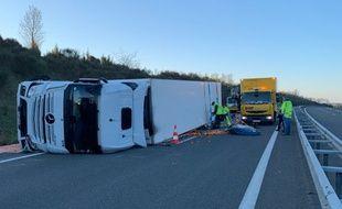 Le poids lourd s'est couché sur l'A20, entre Cahors et Montauban.
