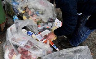 Selon l'ONU, 20 % de la nourriture disponible sur terre est gaspillée chaque année. (Illustration)