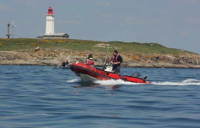 Les équipes de l'Apecs traquent les requins au large de la Bretagne.
