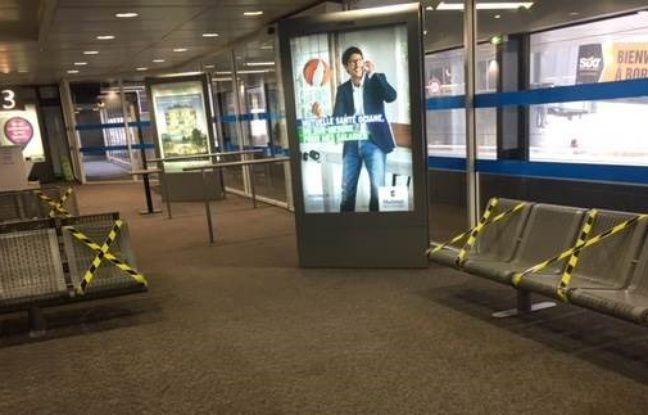 Les salles d'attente de l'aéroport de Bordeaux ont été réaménagées en raison de l'épidémie de Covid-19